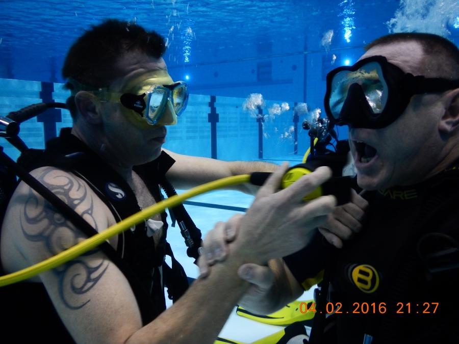 Fitmetlien test uit: duiken met The divefriends