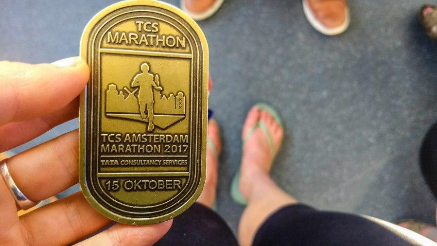 Marathonverslag Amsterdam (deel 2): hou vol, hou vol, je doet dit voor delol!