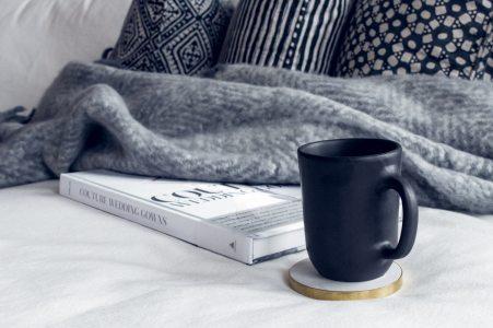 blanket-book-coffee-1421177.jpg